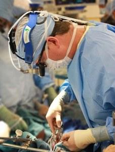 surgeon-1049535__340