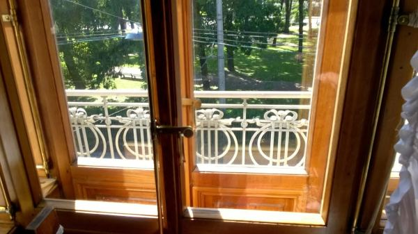 lenin balcony